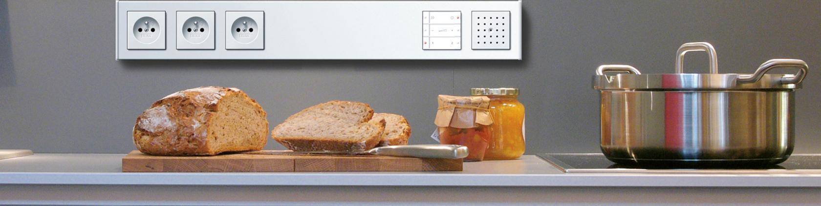 k che wohnen essen fliesen seitz mannheim fliesen f r moderne lebensr ume. Black Bedroom Furniture Sets. Home Design Ideas